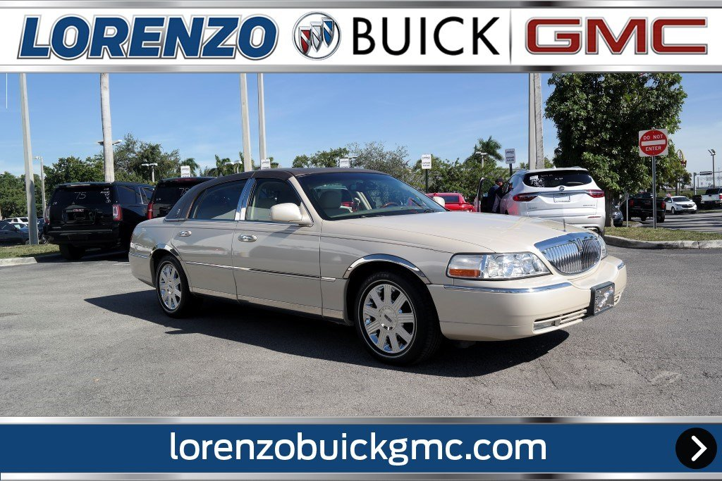 Pre Owned 2003 Lincoln Town Car Cartier Premium 4dr Car In Miami