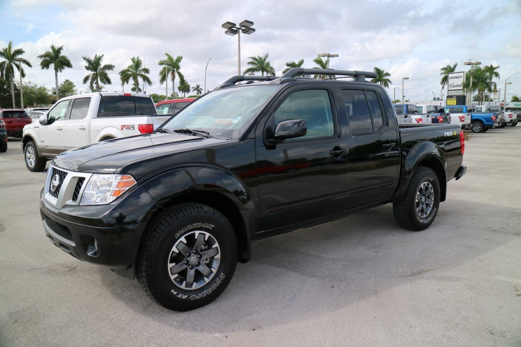 Pre Owned 2017 Nissan Frontier Pro 4x Crew Cab Pickup In Miami