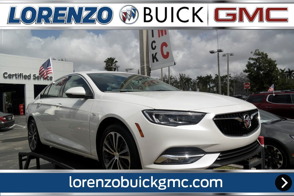 New 2018 Buick Regal Sportback Essence Hatchback In Miami J1095751